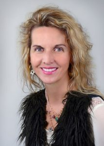 head shot of international SEO expert Dagmar Gatell